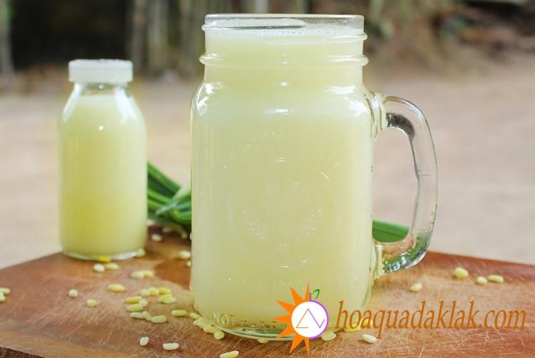 Sữa đậu xanh hạt sen là thức uống mát lành