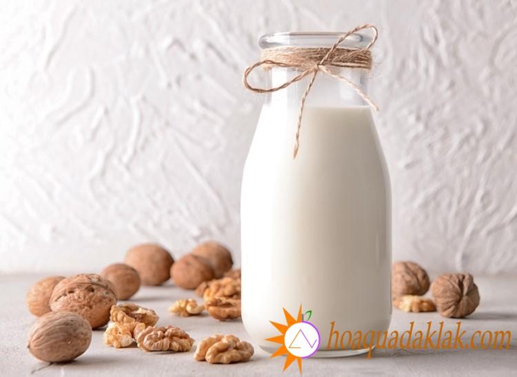 Sữa óc chó cung cấp vitamin và khoáng chất cho mẹ bầu