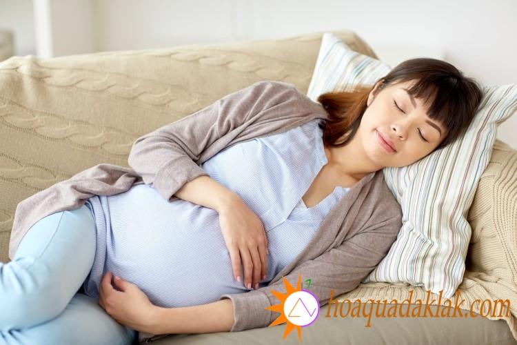 Sữa óc chó có tác dụng cải thiện giấc ngủ